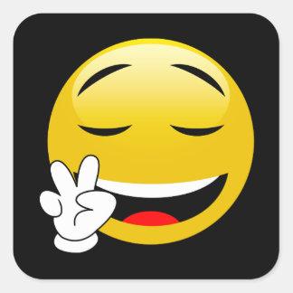 Emoji mit den Friedenszeichen-Händen Quadratischer Aufkleber