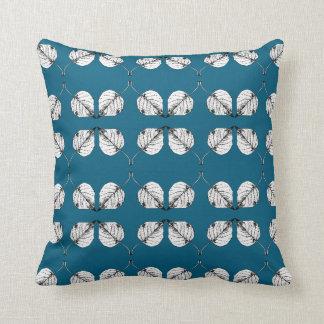 Empfindliches B&W Blätter, auf aquamarinem Kissen