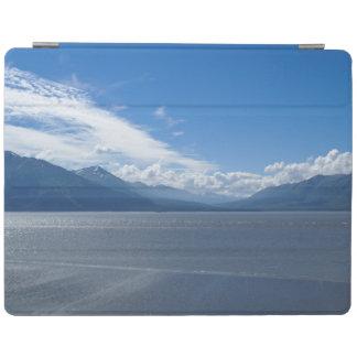Emporhebende Alaska-Berge iPad Hülle
