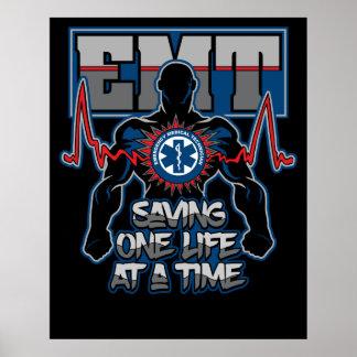 EMT, das auf einmal ein Live rettet Poster