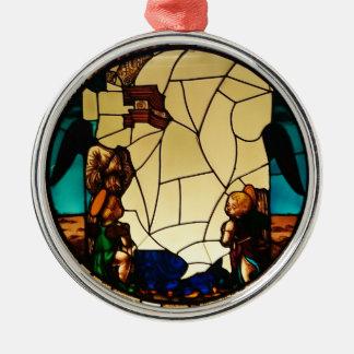 Engel durch die Glasverzierung Silbernes Ornament