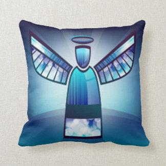 Engel im blauen Buntglas Zierkissen