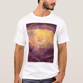 Engel in den malvenfarbenen Wolken T-Shirt