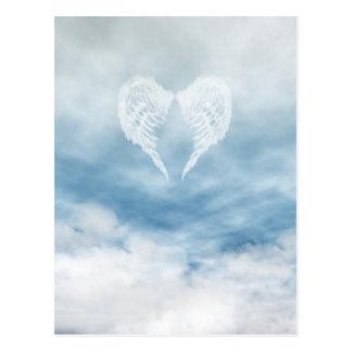 Engels-Flügel im bewölkten blauen Himmel Postkarte