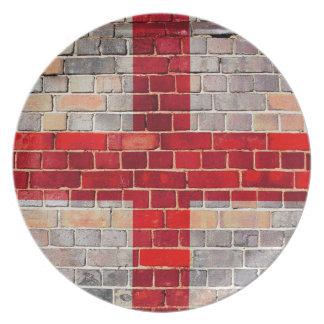 England-Flagge auf einer Backsteinmauer Melaminteller