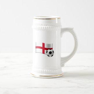 England-Fußbalflagge und -ball Bierglas