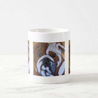 Englische Bulldoggen-Nahaufnahme Kaffeetasse