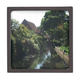 Englische Fluss-Szene Schachtel