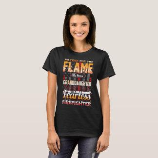 Enkelin-Feuerwehrmann-amerikanische Flagge T-Shirt