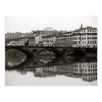 Entlang dem Arno in Florenz, Italien Postkarte