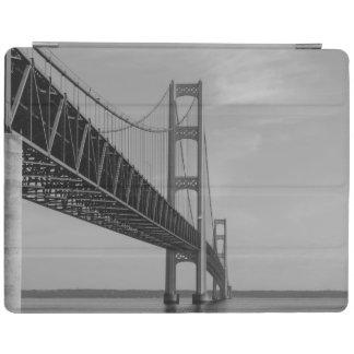 Entlang Mackinac BrückeGrayscale iPad Hülle