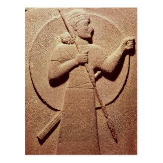 Entlastung, die einen Hittite-Krieger darstellt Postkarte