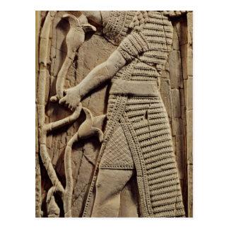 Entlastung, die einen Krieger darstellt Postkarte
