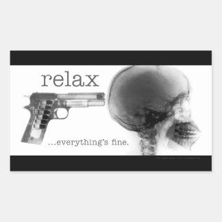 Entspannen Sie sich… alles ist fein (Gewehr zum Rechteckiger Aufkleber