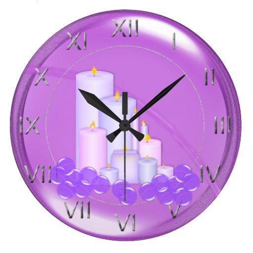 Entspannendes lila kerzen badezimmer uhr for Uhr badezimmer