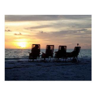 Entspannung auf der Insel, das Sonne-Set Postkarte