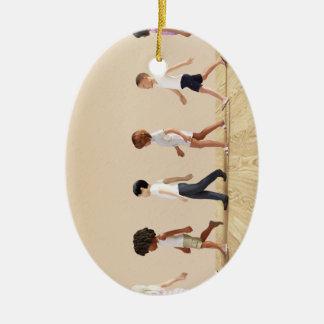 Entwicklung des Kindes mit dem Kinderlernen und Ovales Keramik Ornament