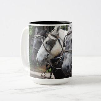Entwurfs-Pferde 842 Zweifarbige Tasse