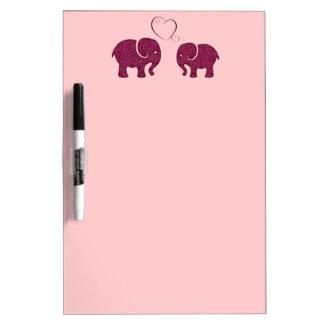 Entzückende nette niedliche Elefanten in der Liebe Trockenlöschtafel