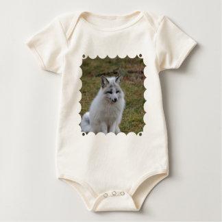 Entzückender weißer Fox Baby Strampler