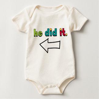Er tat es (2 von 2): Bio Baby Strampler