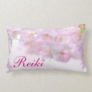 Erblassen Sie - rosa BlumenReiki Blüte Lendenkissen