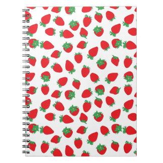 Erdbeere bedeckt spiralblock