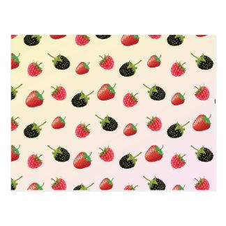 Erdbeere, BlackBerry, Himbeere: köstliche Frucht Postkarte