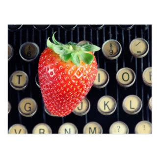 Erdbeere Schreibmaschinentasten Postkarte