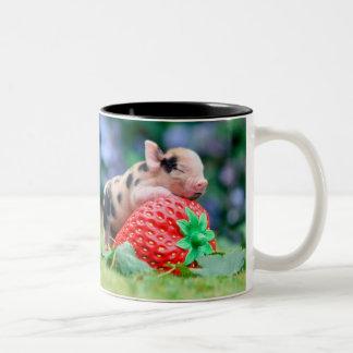 Erdbeerschwein Zweifarbige Tasse