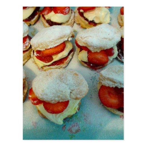 Erdbeerscones/-kuchen Postkarte
