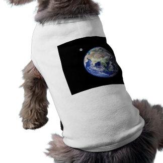 Erde und Mond vom Raum T-Shirt