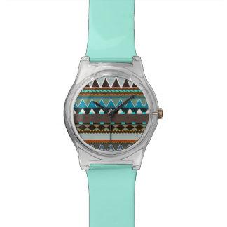 Erdiges Stammes- inspiriertes Armbanduhr