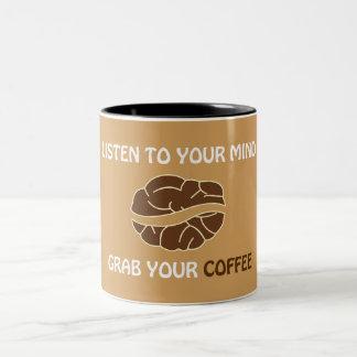 Ergreifen Sie Ihren Tasse Kaffee