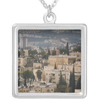 Erhöhte Stadtansicht von Turm Jerusalems YMCA Versilberte Kette