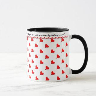 Erklären Sie Ihre Liebe, rote Herzen, liebevolle Tasse