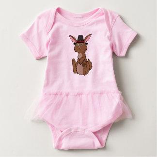 Erntedank-Brown-Kaninchen mit Pilger-Hut Baby Strampler