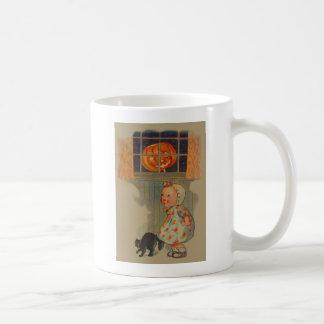 Erschrockener Mädchen-Jack O Laternen-schwarze Kaffeetasse