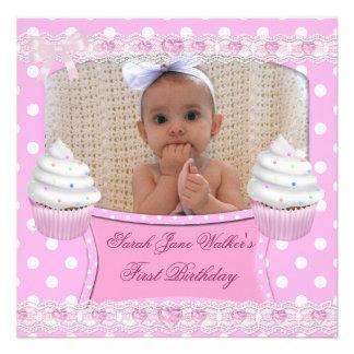 Erstes Geburtstags-1. Mädchen-weißes rosa Kuchen-B Ankündigungskarte