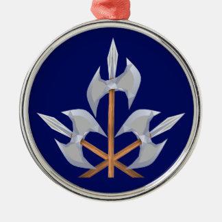 Erstklassige runde gekreuzte Kampf-Äxte der Silbernes Ornament