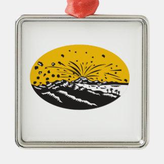 Eruptions-Insel-Bildungs-Oval-Holzschnitt Quadratisches Silberfarbenes Ornament
