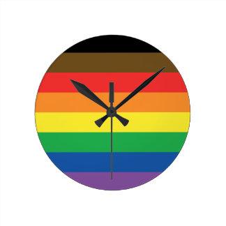 Erweiterte Gay Pride-Regenbogen-Flagge Runde Wanduhr
