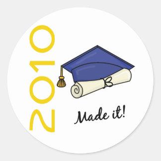 Es Abschluss-Kappe und Diplom gemacht Runder Aufkleber