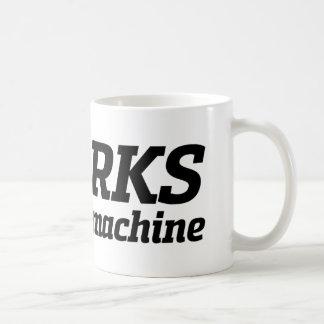 Es arbeitet an meiner Maschine (2) Kaffeetasse
