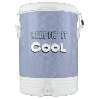 Es behaltend, trinken cooles Eis Getränkekühler