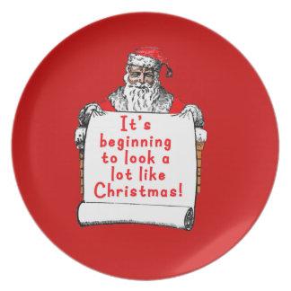 Es fängt an, wie Weihnachten viel auszusehen Flache Teller