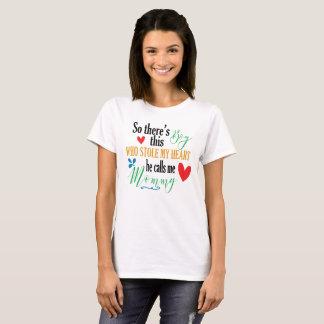 Es gibt diesen Jungen, der meinen Herz-Muttertag T-Shirt