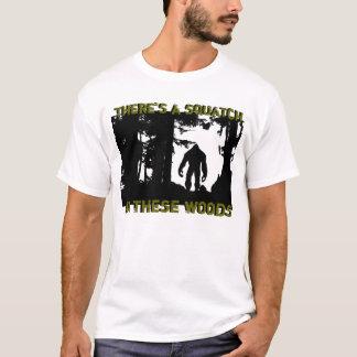 Es gibt ein squatch in diesem Holz T-Shirt