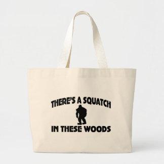 Es gibt ein Squatch in diesem Holz Einkaufstasche