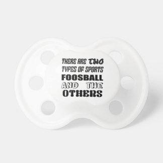 Es gibt zwei Arten Sport Foosball und andere Schnuller